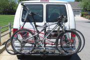 Autó hátulján való kerékpárszállítás legálisan